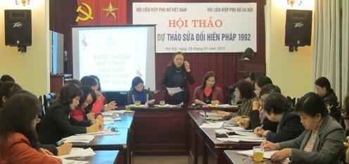 Phụ nữ Hà Nội góp ý Dự thảo sửa đổi Hiến pháp 1992